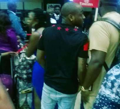 davido stopped travelling baby airport