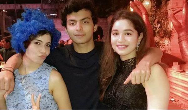 Sara Tendulkar Wiki | Biography | Age | Family | Boyfriend | Affair