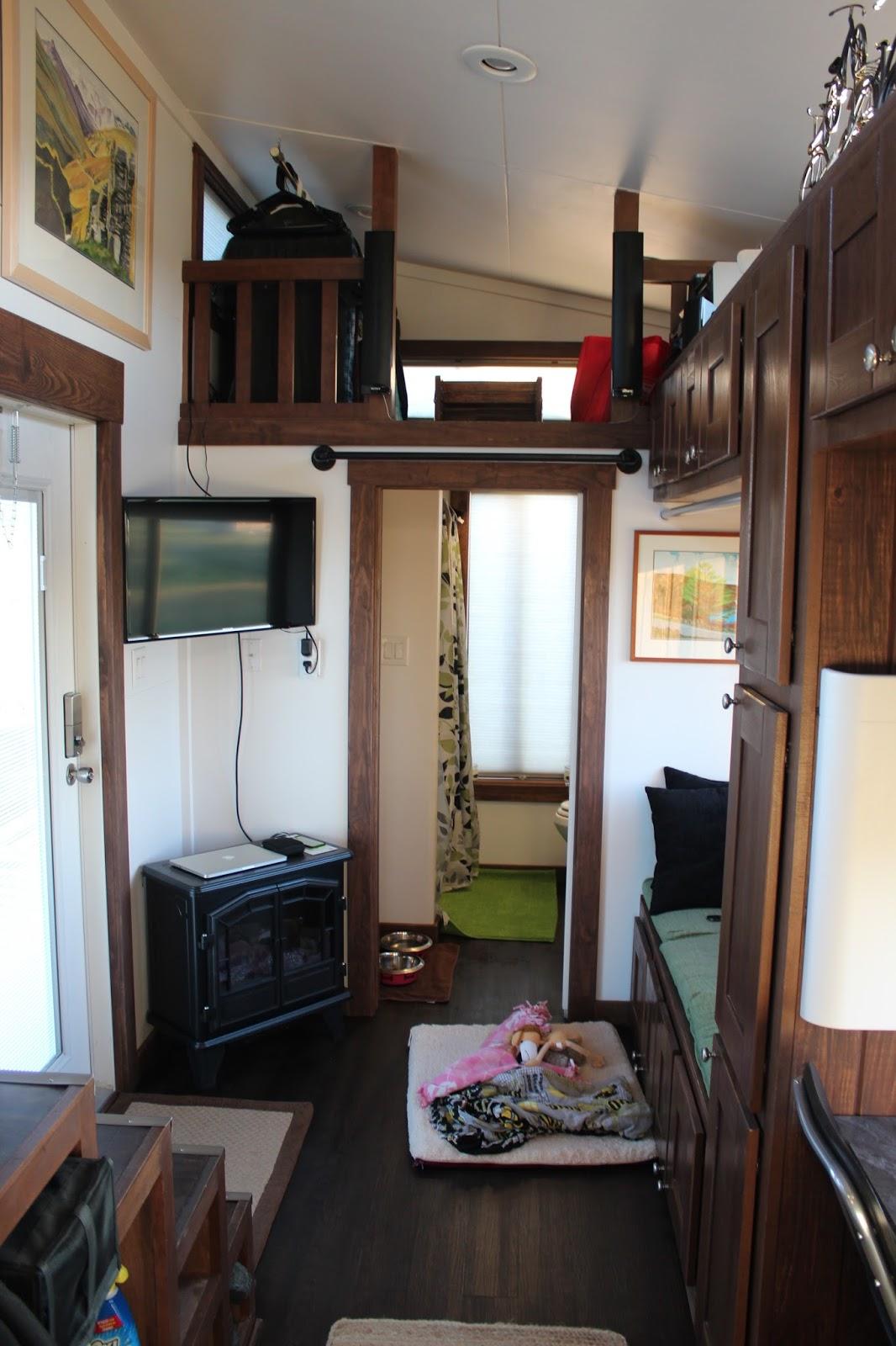 TINY HOUSE TOWN Morrison Tiny House 300 Sq Ft