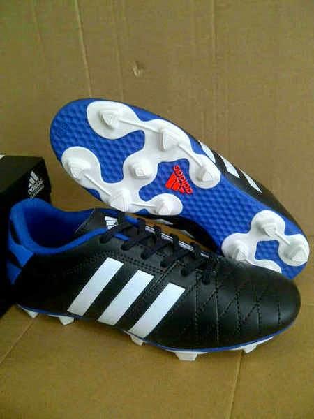 http://sayangberbagi.blogspot.com/2015/04/adidas-11pro-sepatu-bola-terbaru-dari.html