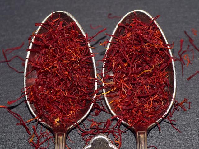 26 Amazing Benefits Of Saffron (Kesar)  - RictasBlog