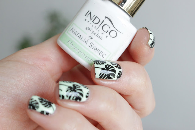 Monstera nails paznokcie hola paola