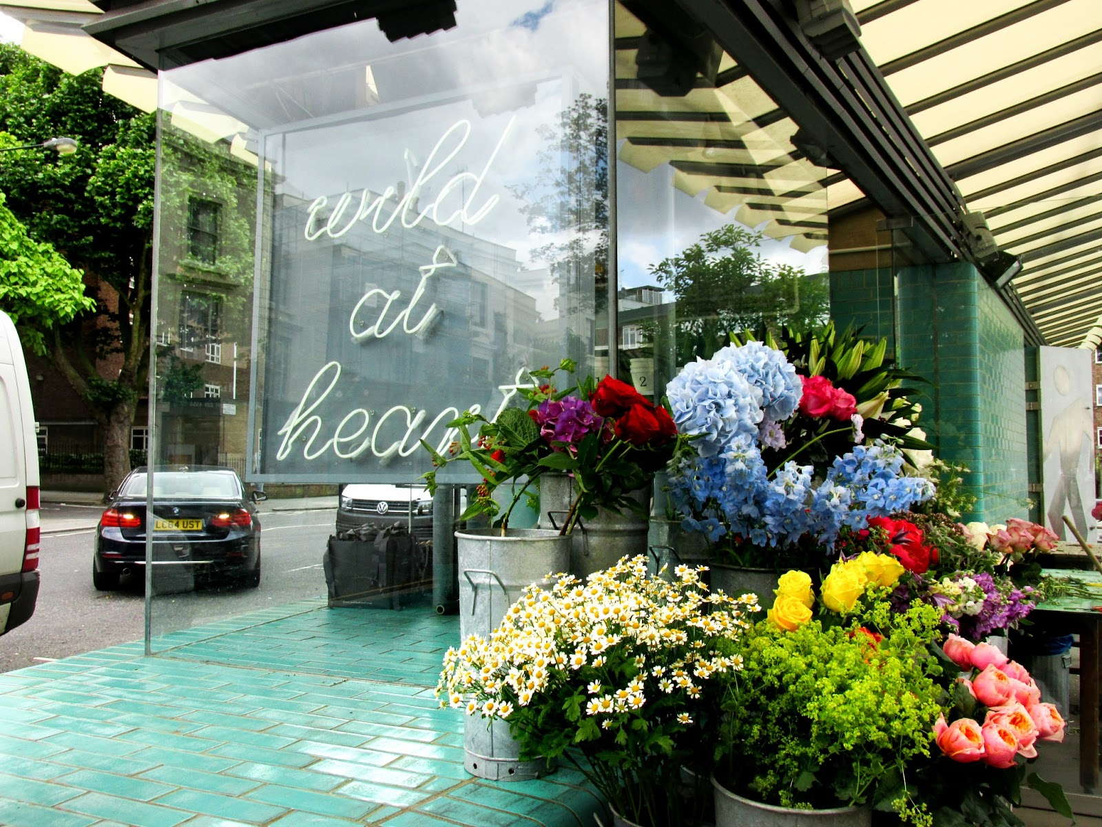 My notting hill blog - We Then Roamed Around The Meandering Streets Before Stumbling Upon One Of My Notting Hill Highlights The Wild At Heart Florist While This Little Island