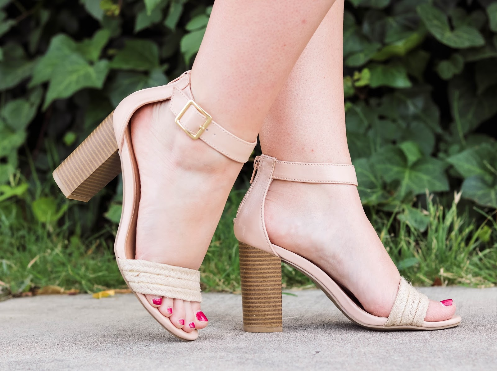 Elizabeth Hugen of Lizzie in Lace styles the Perfect nude summer sandal