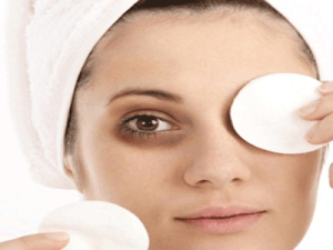 Best Homemade Remedies for Wrinkles Around Your Eyes
