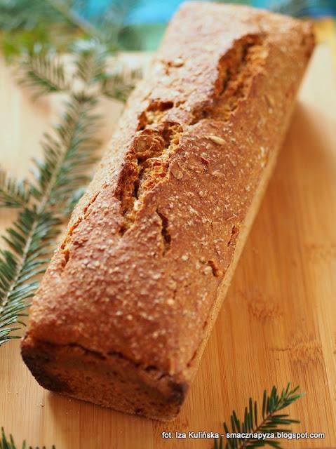 chleb pszenno zytni, chlebek, domowe wypieki, domowa piekarnia, na zakwasie, z ziarenkami