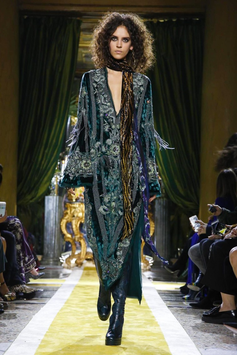roberto-cavalli-fall-winter-2016-2017-collection-milan-fashion-week, roberto-cavalli-fall-winter-2016-2017, roberto-cavalli-fall-winter-2016, roberto-cavalli-fall-winter-2017, roberto-cavalli-fall-2016, roberto-cavalli-fall-2017, du-dessin-aux-podiums, dudessinauxpodiums