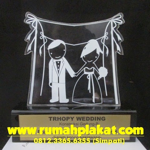 Plakat Wedding Akrilik, Plakat Wedding Murah, Plakat Pernikahan Bergilir, 0856.4578.4363 (IM3)