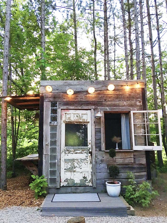 Hotel style the bunkie cabin poppytalk for Small backyard cabin