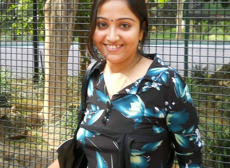 Cute North Indian Girl Radika Kamdar Photos  Cute Girls And Aunties-4864