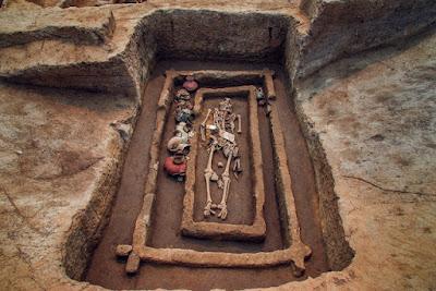 Σκελετούς «γιγάντων», ηλικίας 5.000 ετών, ανακάλυψαν αρχαιολόγοι στην Κίνα