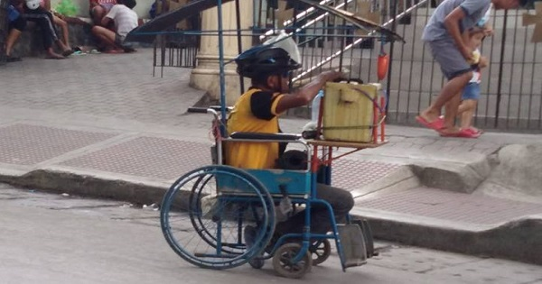 Disabled guy converts wheelchair to earn money as vendor