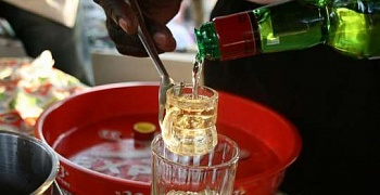 Two fetish priests die after consuming locally-brewed gin (Akpeteshie)