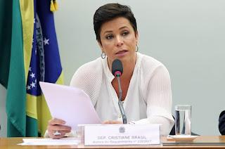 http://vnoticia.com.br/noticia/2447-ptb-desiste-de-indicar-cristiane-brasil-para-o-ministerio-do-trabalho