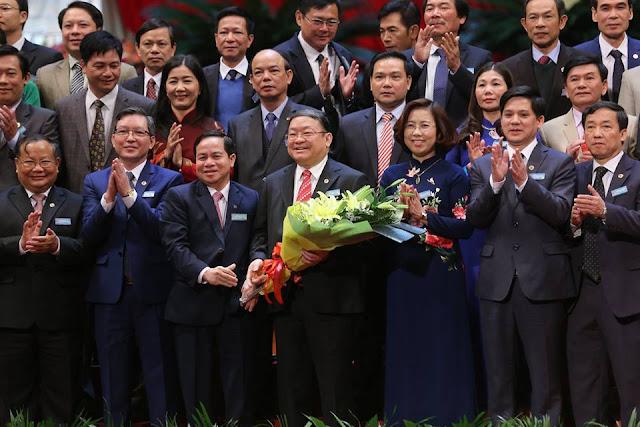 Ông Thào Xuân Sùng tái đắc cử Chủ tịch T.Ư Hội NDVN với 100% phiếu