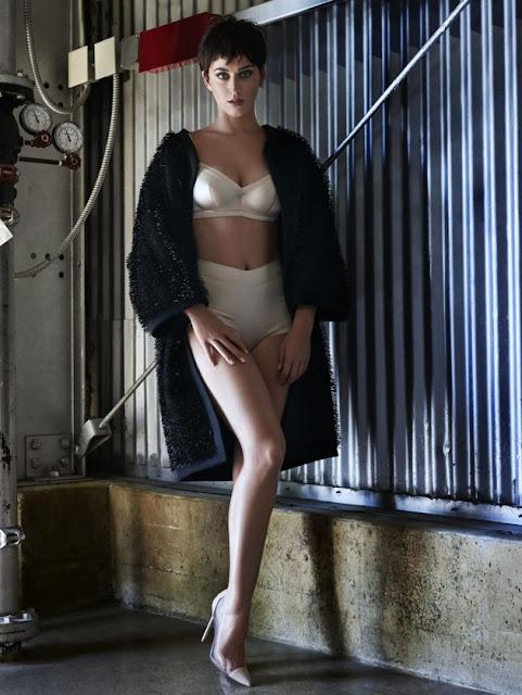 Katy Perry Hot Legs