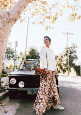 Rok Panjang Oversize sweater + rok motif bunga + sneakers