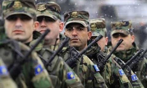Szimbolikus lépés Koszovó hadseregszervezése