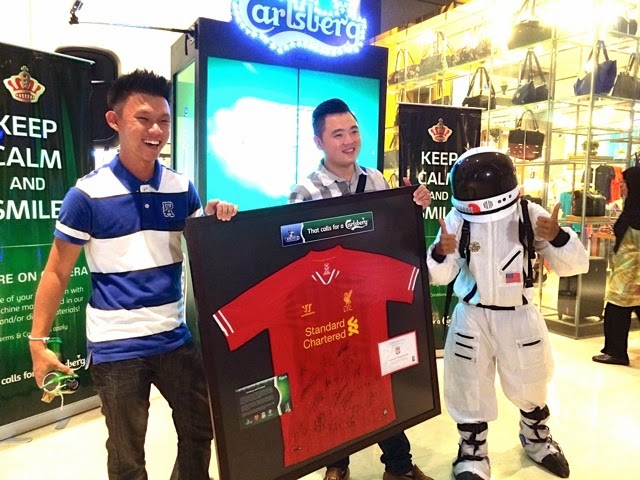 A 'Friendtastic' Farewell, Carlsberg Machine Dispenses Signed BPL Liverpool Jersey