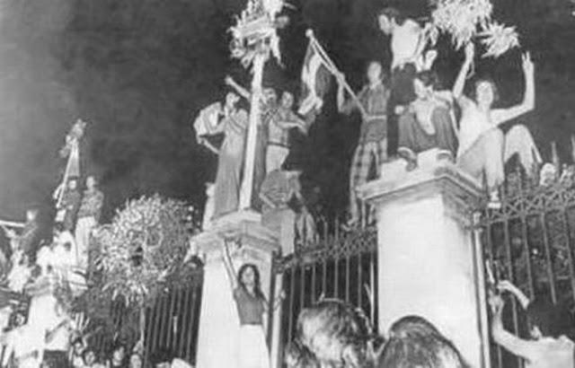 Το χρονικό της εξέγερσης των φοιτητών που έπνιξε στο αίμα η χούντα των Συνταγματαρχών....