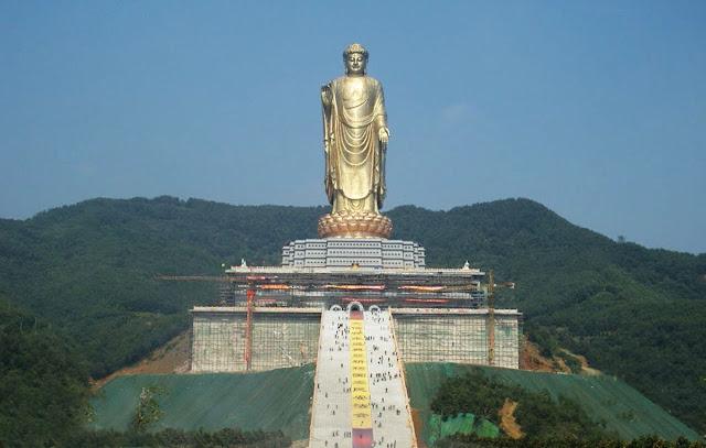 Spring Temple Buddha - estátua mais alta do mundo