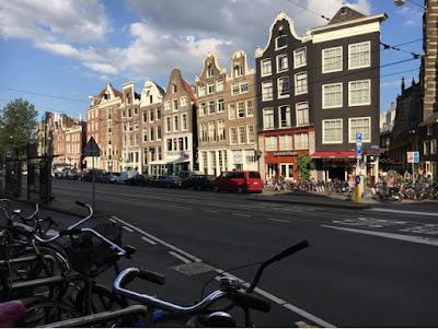 rue street Amsterdam velo maison bike house