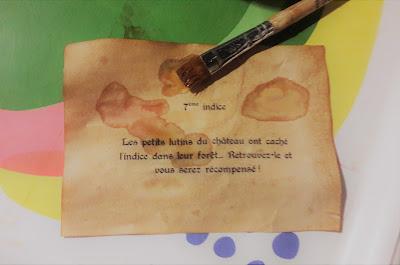 effet vieilli vieux papier parchemin tutoriel chasse au trésor indices énigmes cachettes