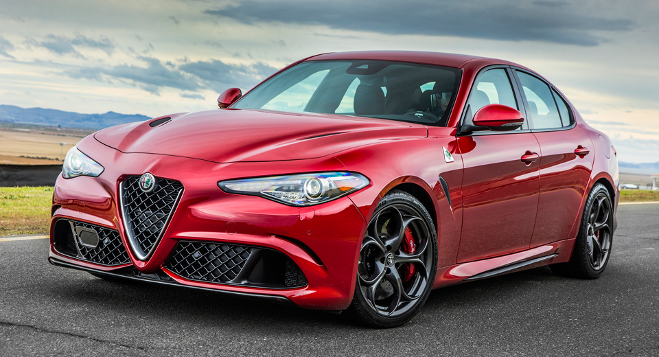 alfa romeo giulia 2 0 turbo four with 350 hp yes please. Black Bedroom Furniture Sets. Home Design Ideas