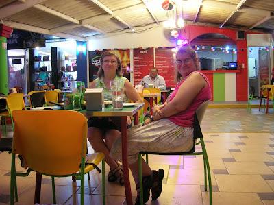Restaurante Pizza al Leño, Isla Perico Panamá, round the world, La vuelta al mundo de Asun y Ricardo, mundoporlibre.com