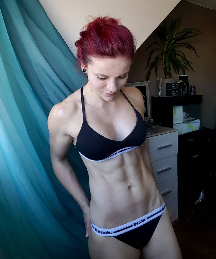 Stefanie Macherham Abs