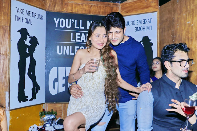 Sara Khan with Friend - R- Adda Roof Top Hideout Bar- new year's eve 2017