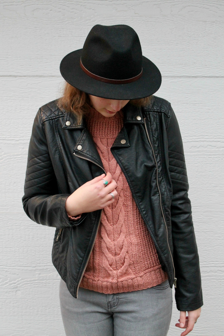Knit sweater, leather jacket, grey jeans and fedora hat