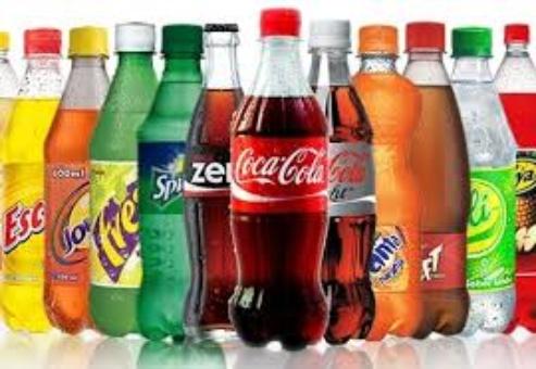 OMS pide a los gobiernos subir impuesto a bebidas azucaradas