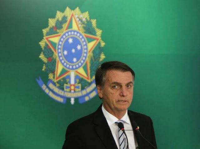 Após anúncio de Cuba, Bolsonaro diz que programa Mais Médicos não será suspenso