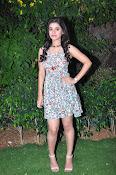 yamini bhaskar new glam pics-thumbnail-11