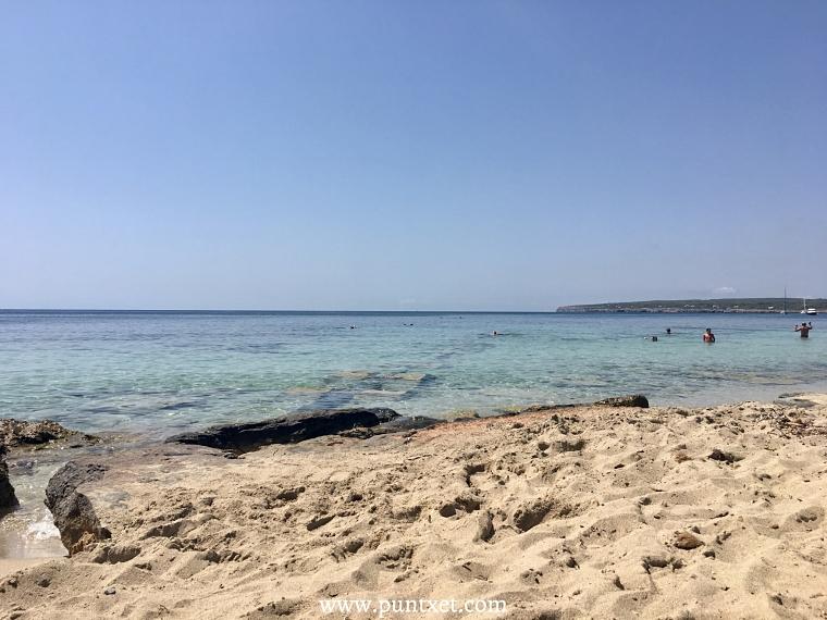 PUNTXET Viaje de 3 días a Formentera, Playa Es Mitjorn