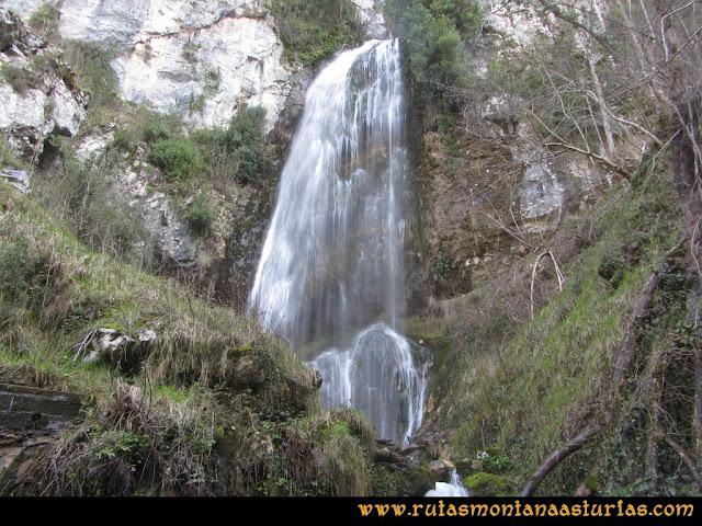 Ruta Puente Vidosa, Jucantu: Cascada en Puente Vidosa