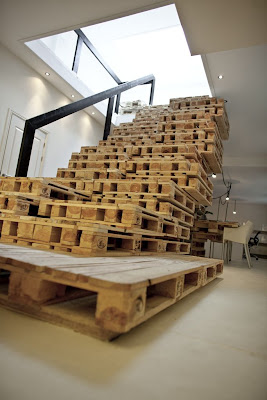 Creative and Functional Reuses of Pallets (20) 6