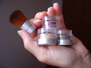 Monave Khabuki brush and three versatile eye shadow powders.jpeg