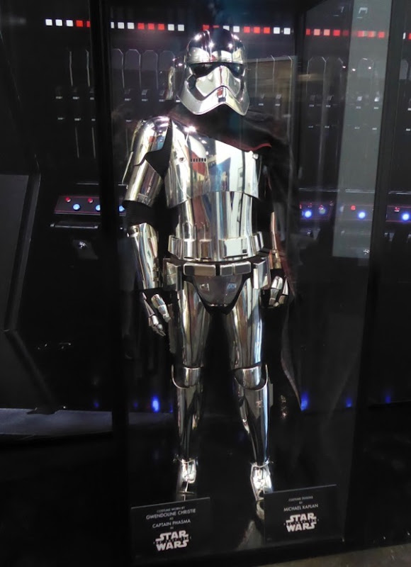 Gwendoline Christie Star Wars Last Jedi Captain Phasma costume