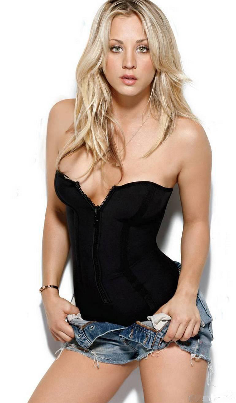 Gorgeous New Season Nail Art Ideas: Wallpaper: Kaley Cuoco: Top Class Beautiful Women