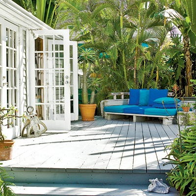 Key West Cottage Living & Decorating - Completely Coastal