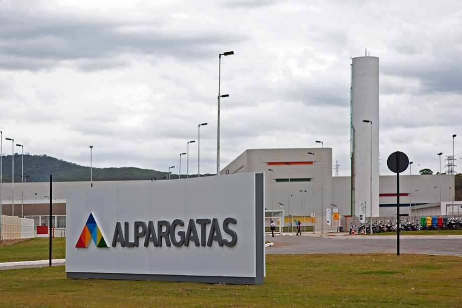 LA EMPRESA ALPARGATAS CONFIRMÓ EL DESPIDO DE 70 TRABAJADORES