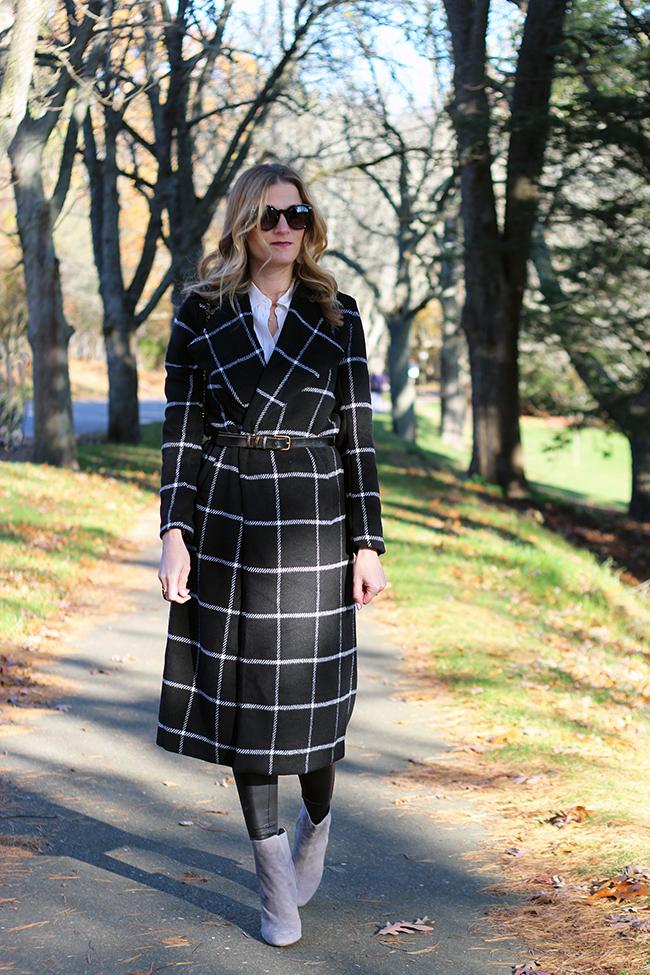 Belting a long coat