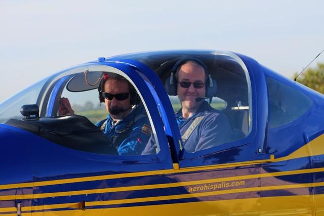 Feliz de cumplir mi sueño de ser piloto de avión
