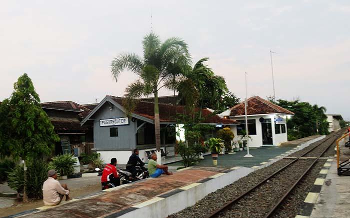 Stasiun Pasar Nguter