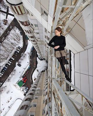 Russian daredevil-Angela Nikolau deadliest, riskies, scariest selfies
