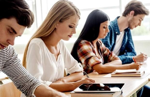 Η διδακτέα και εξεταστέα ύλη των Πανελλαδικών Εξετάσεων 2019 για τους μαθητές της Δ' τάξης Εσπερινού Γενικού Λυκείου