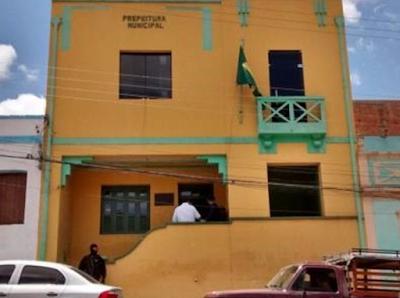 Prefeitura de Água Branca, firma contrato de mais de  R$ 160 mil mensais para compra de combustível