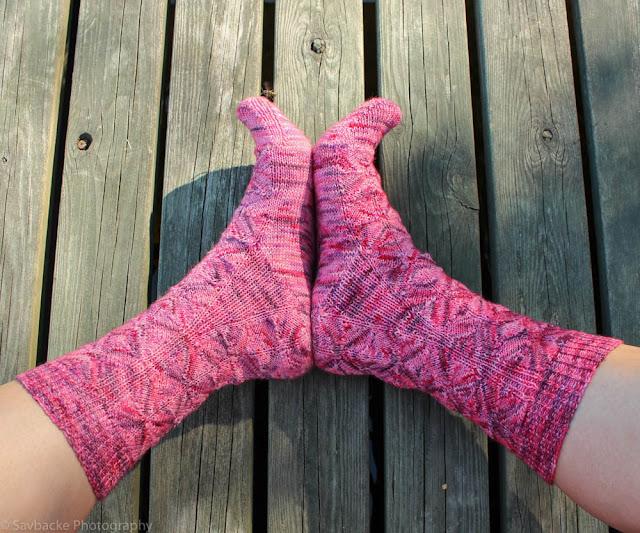 Tour de sock Diamondback socks Lanititum ex Machina Cherry cabaret